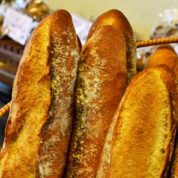 焼きたてフランスパン